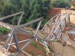 jembatan-cibalagung-pasirgede-raya-tangkil-jembatan-ambruk.jpg