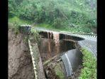 jembatan-citalegong-penghubung-kecamatan-talegong-cisewu-ambruk.jpg