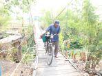 jembatan-gantung-cempaka-cirebon_20181102_160717.jpg