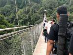 jembatan-gantung-situ-gunung.jpg