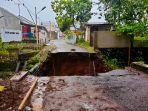 jembatan-nagawiru-di-ciamis-ambruk-hujan-deras-bikin-jembatan-yang-dibuat-tahun-1880-itu-runtuh.jpg