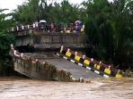 jembatan-pesanggrahan-kecamatan-cipatujah-kabupaten-tasikmalaya_20181106_161707.jpg