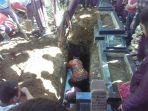 jenazah-ela-nurhayati-42-yang-tewas-akibat-23-luka-tusuk_20180912_131926.jpg