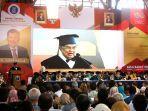 jusuf-kalla-saat-menerima-gelar-doktor-honoris-causa-dari-itb.jpg