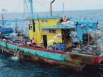 kapal-berbendera-malaysia-kapal-pencuri-ikan.jpg