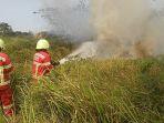 kebakaran-alang-alang-di-kota-cimahi_20180713_203223.jpg