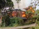 kebakaran-rumah-di-kampung-sindang-wari-bungbulang.jpg