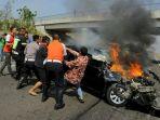 kecelakaan-di-tol-cipali-sebuah-sedan-mendabrak-truk_20181006_142217.jpg