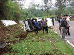 kecelakaan-kembali-terjadi-di-tanjakan-emen-desa-cicenang-kecamatan-ciater_20180312_133103.jpg