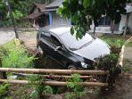 kecelakaan-lalu-lintas-terjadi-di-jalan-nasional-iii-di-kampung-cikananga-sukabumi.jpg