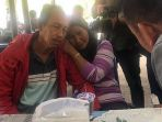 keluarga-anak-dan-bayi-korban-lion-air-jt-610-jatuh_20181030_133519.jpg