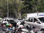 kemacetan-dekat-taman-lalu-lintas.jpg