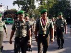 komandan-rindam-iiisiliwangi-kolonel-inf-indarto-kusnohadi-dan-sendra-andri-m-agus_20180917_181954.jpg