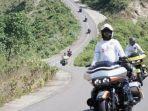 komunitas-road-glide-owner-group-rgog-menjajal-jalur-kawasan-sekotong-lombok-barat.jpg