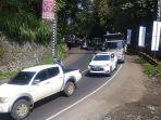 kondisi-arus-lalu-lintas-di-bojongkokosan-parungkuda-kabupaten-sukabumi-kamis-29102020.jpg
