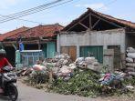 kondisi-rumah-warga-akibat-puting-beliung-di-desa-panguragan-kulon.jpg