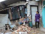kondisi-rumah-yang-rusak-akibat-amblesnya-tanah-di-blok-rengaspayung-indramayu-176.jpg