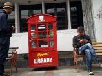 kotak-street-library-di-jalan-asia-afrika.jpg