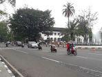 lalu-lintas-di-jalan-diponegoro-terpantau-ramai-lancar-senin-2492017_20170925_113119.jpg