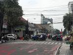 lampu-lalu-lintas-di-simpang-empat-jalan-tamblong-bandung-padam-selasa-2692017_20170926_121914.jpg