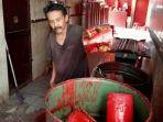 lilin-merah-pembuatan-vihara-dharma-ramsi.jpg