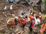 longsor-cimanggung-evakuasi-kamis-14-januari.jpg