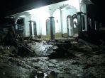 madrasah-diterjang-banjir-bandang_20181013_132139.jpg