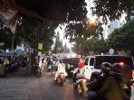 malam-minggu-arus-lalu-lintas-di-dago-kota-bandung-padat-merayap.jpg