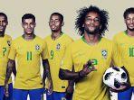 marcelo-dan-rekan-timnas-brasil_20180702_161434.jpg