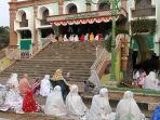 masjid-agung-sumber-kabupaten-cirebon_20180822_072038.jpg