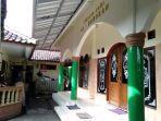 masjid-al-barokah-tempat-almarhumah-delis-mengikuti-pengajian.jpg