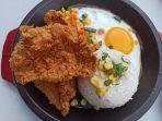 menu-nasi-kulit-di-over-hot-yaa.jpg