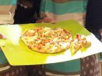 menu-pizza-bertopping-nuget-ulat-sagu-_-1_20170914_201250.jpg