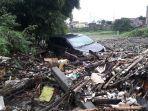 mobil-hanyut-cimareme-banjir-bandang.jpg