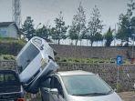 mobil-pengunjung-pemda-kbb-terjun-dari-parkiran.jpg