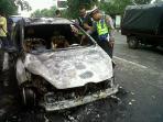 mobil-terbakar-di-pajajaran.jpg