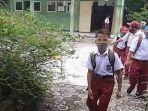 murid-sd-menjalani-kbm-tatap-muka-di-kabupaten-pangandaran-senin-832021.jpg