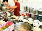 open-kitchen-di-bagian-depan-ruangan-kedai-mie-naripan_20170814_115314.jpg
