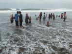 pantai-arena-bakti-gelombang-tinggi.jpg