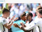 para-pemain-timnas-inggris-merayakan-gol-raheem-sterling-ke-gawang-kroasia.jpg