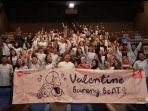 para-peserta-valentine-bareng-beat-berfoto-bersama-di-cgv-paskal-23.jpg