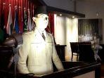patung-soekarno-dalam-diorama-pembukaan-kaa-1955-di-museum-kaa_20170809_173359.jpg