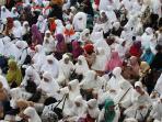 pebekalan-calon-jemaah-haji-di-masjid-raya-bandung_20160803_190109.jpg