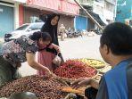 pedagang-sayuran-di-pasar-stasion-kota-sukabumi.jpg