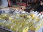 pedagang-tahu-dan-tempe-di-pasar-tradisional-soreang-kabupaten-bandung_20180907_180111.jpg