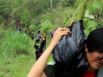 peduli-lingkungan-mahasiswa-_-gunung-manglayang-2_20151226_192008.jpg