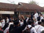 pegawai-honorer-kategori-dua-ke-bkd-kabupaten-tasikmalaya_20180917_165321.jpg