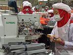 pekerja-sedang-bekerja-dalam-pembuatan-produk-eiger-di-pabriknya-di-jalan-pangauban.jpg