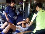 pemain-persib-tantan-melakukan-pembugaran-tubuh-di-sosi-fitness-centre_20170124_113903.jpg