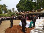 pemakaman-ipda-erwin-di-cianjur.jpg